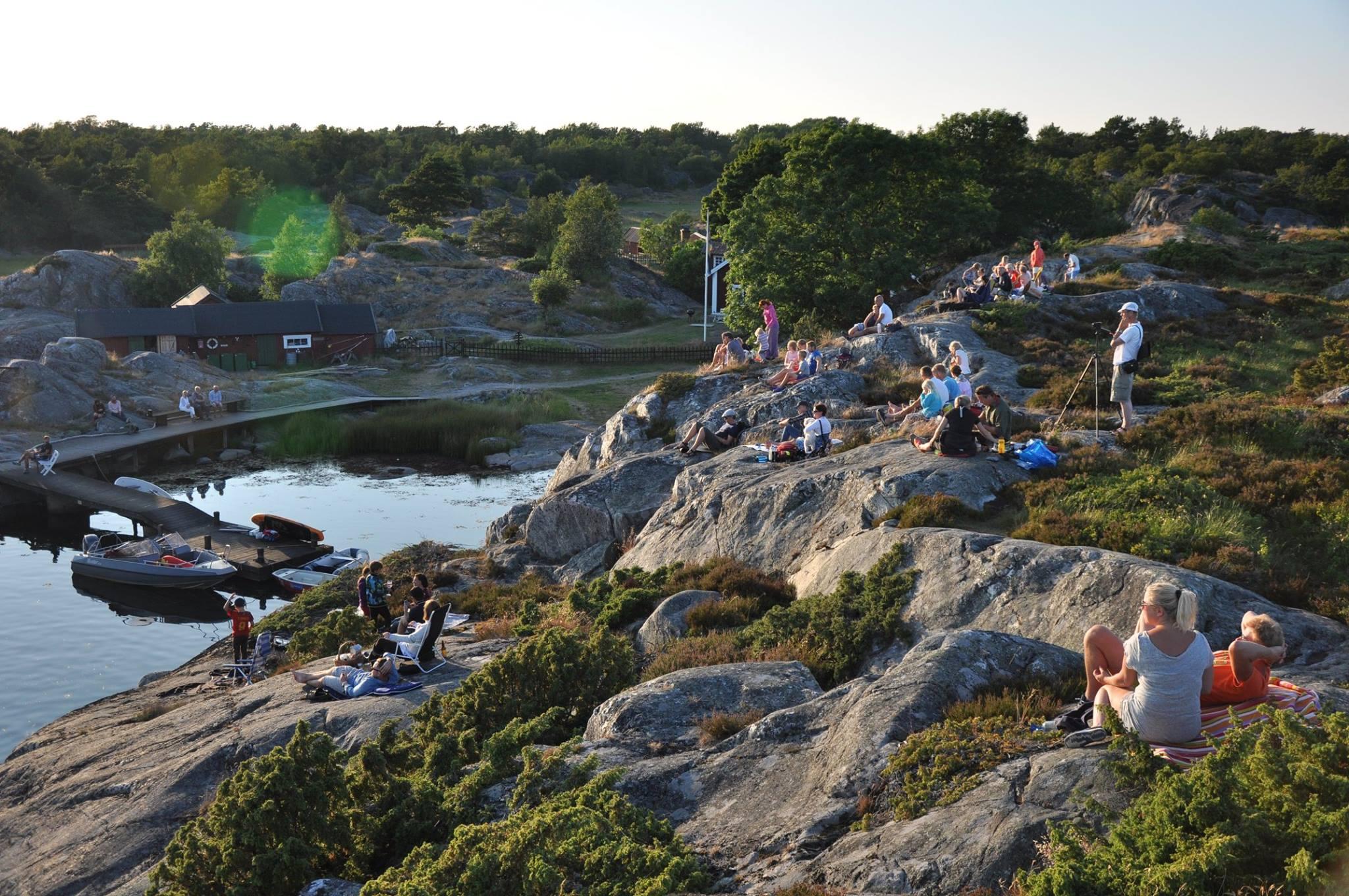 Bullerö naturreservat klippor mot vattnet