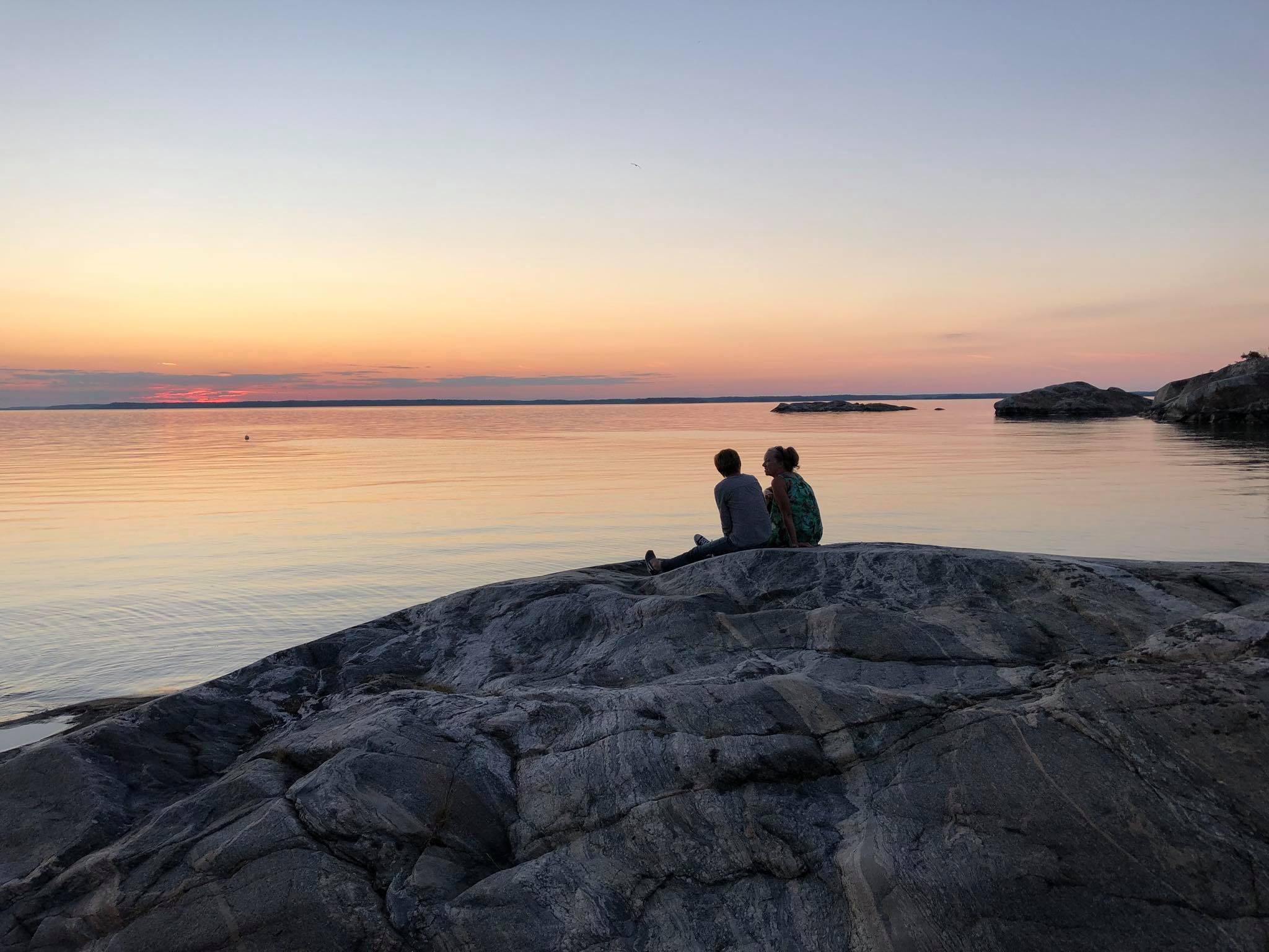 solnedgång från klippor på rögrund naturreservat