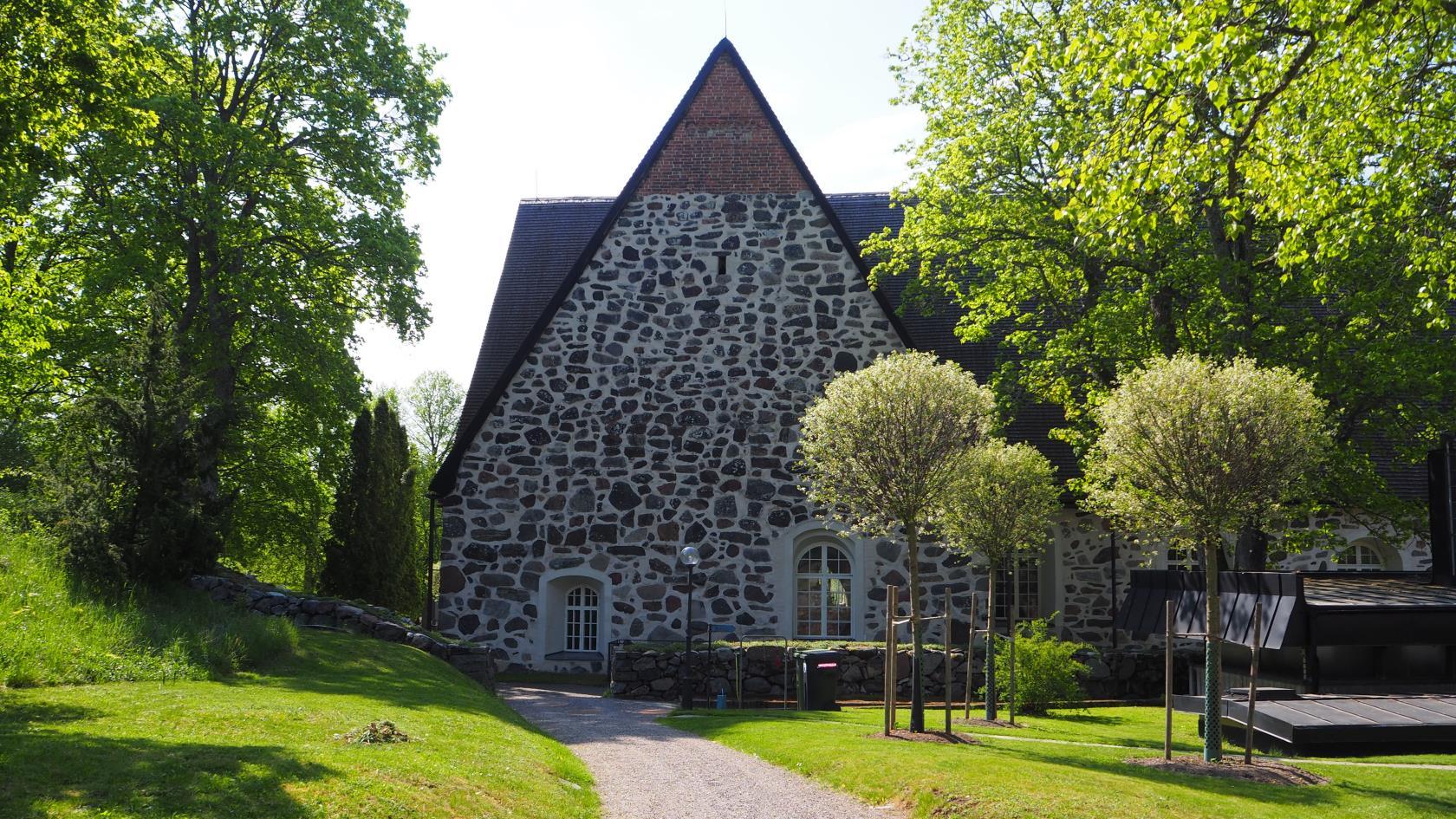 medeltida kyrka i sten värmdö