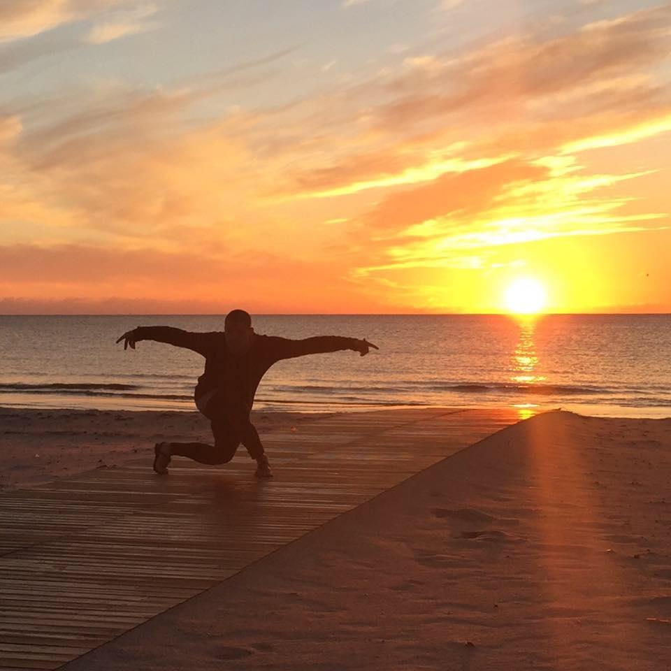 yoga i gustavsberg med solnedgång